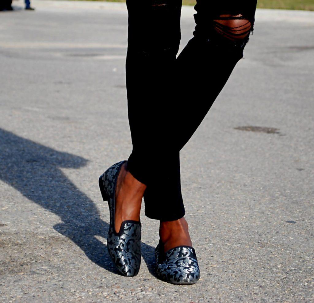 Bailey 44 jacket, black moto jacket, ripped denim, distressed denim, Current /elliott Stiletto jeans, nine west flat shoes, style my dreams blog, winnipeg fashion blogger, how to wear all black