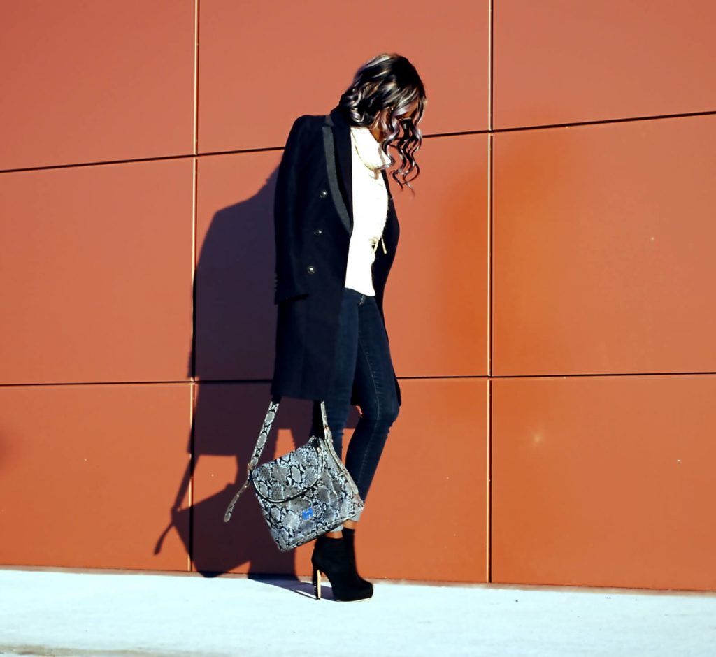 Fall coat trend 2015, Duster coat, wool coat, Eryn Brinié coat, cuffed deim, cuffed jeans, oversized sweater, gap denim, joe fresh sweater, chunky knit, African blogger, Canadian blogger, Winnipeg fashion blogger, vince camuto booties, style my dreams blog, snakeskin leather bag