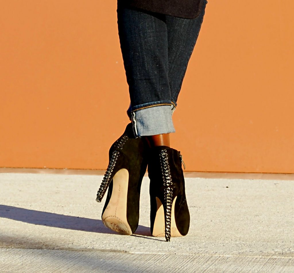 Vince Camuto booties, black suede ankle booties, style my dreams blog, winnipeg fashion blogger, canadian blogger, cuffed denim, cuffed jeans, gap denim