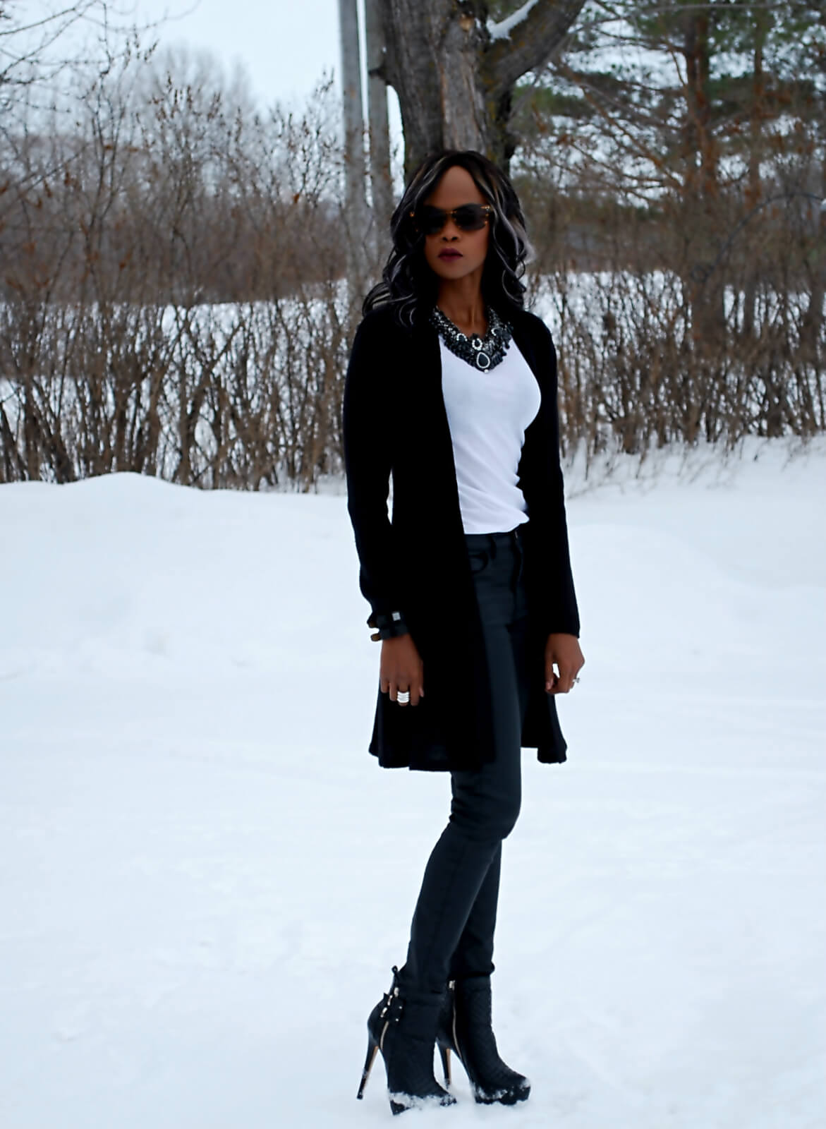 Shoe dazzle booties, Mirina necklace, black and white outfit, white club monaco t-shirt, black cardigan, winnipeg fashion blogger, style my dreams blog, black and white trend, statement necklace, black statement necklace, coated denim, black current / elliott denim