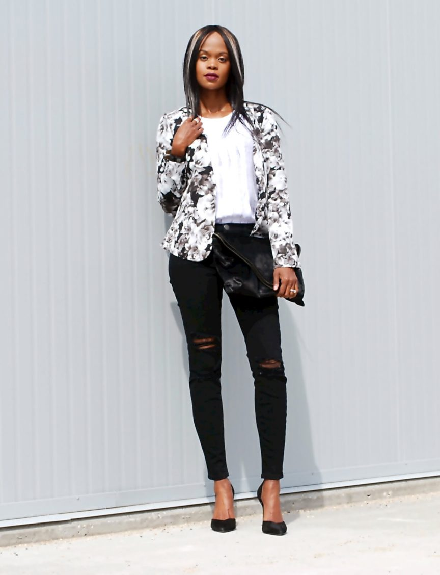 Forever 21 floral blazer, floral trends, black and white outfit, current/elliott ripped denim, style my dreams blog, winnipeg fashion blogger Jackie Anderson, zara heels
