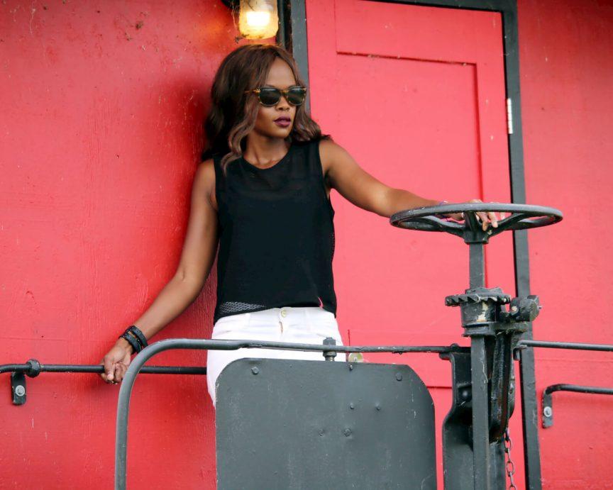 crop tops, black mesh crop top, white denim, white jeans, Frame Le skinny denim, Frame Denim, winnipeg fashion, Jackie anderson