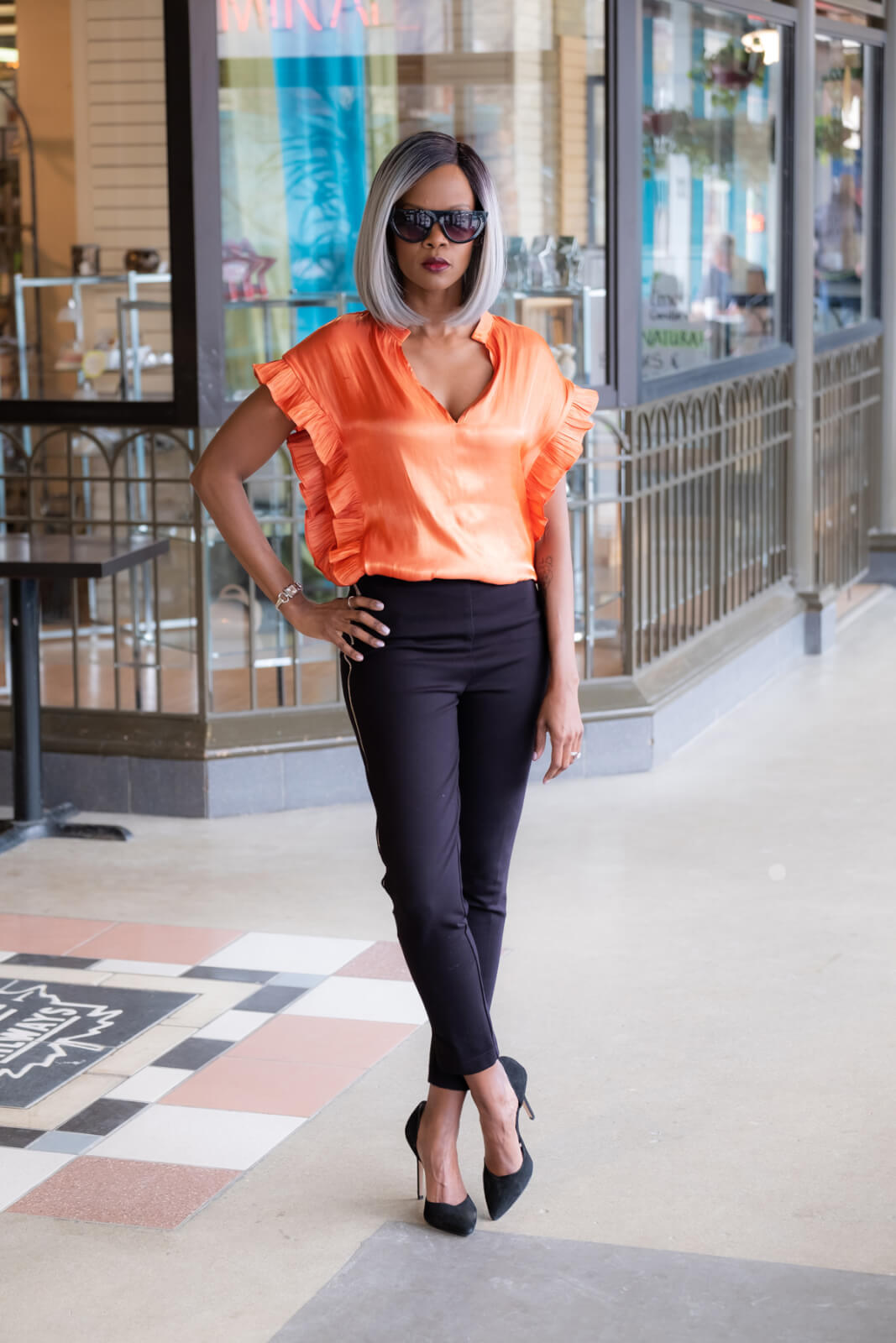 Spring fashion, Spring Trends, Ruffle Top, Winnipeg Fashion Blogger, Style My Dreams, Metallic Orange Top